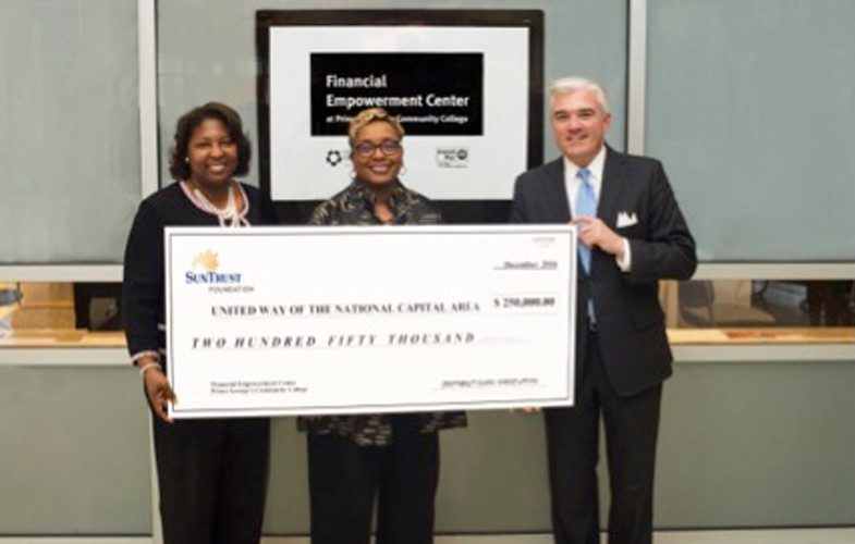 United Way receiving a Suntrust foundation check